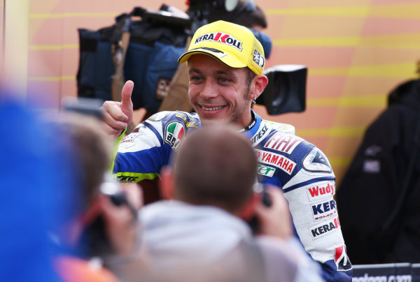 Donington Park, England. 20th-22nd June 2008.  Valentino Rossi, Yamaha, celebrates 2nd position in parc ferme.  Ref: IMG_7351a. World Copyright: Kevin Wood/LAT Photographic