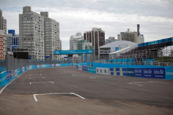 2014 FIA Formula E Championship. Punta del Este ePrix, Uruguay. Circuit view. Photo: Zak Mauger/LAT/FE ref: Digital Image _MG_1258