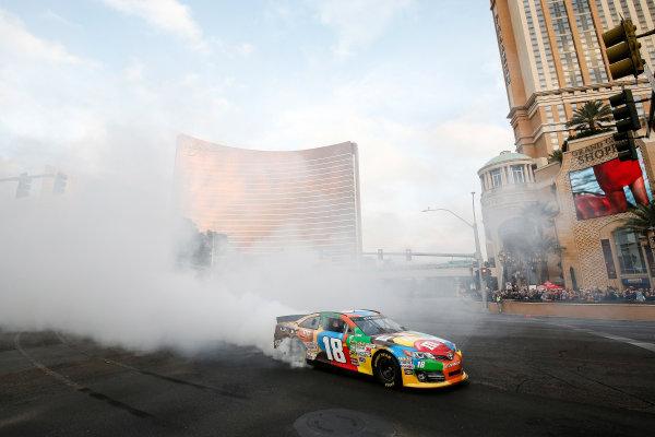 3-5 December, 2014, Las Vegas, Nevada USA Kyle Busch burnout ©2014, Michael L. Levitt LAT Photo USA