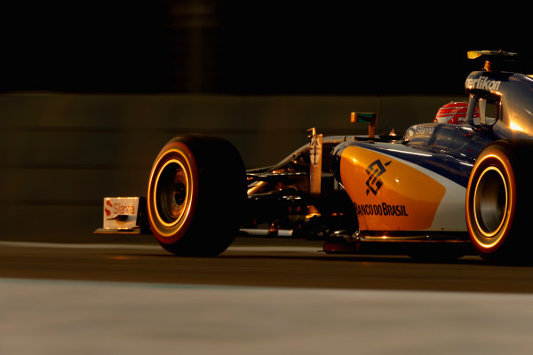 Yas Marina Circuit, Abu Dhabi, United Arab Emirates. Saturday 28 November 2015. Felipe Nasr, Sauber C34 Ferrari. World Copyright: Glenn Dunbar/LAT Photographic ref: Digital Image _89P0469
