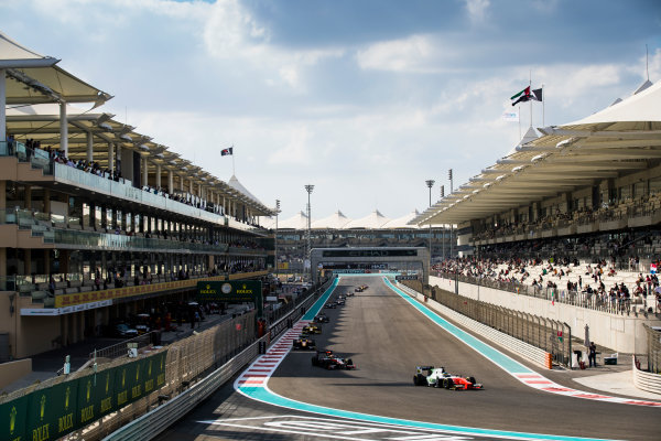 2017 FIA Formula 2 Round 11. Yas Marina Circuit, Abu Dhabi, United Arab Emirates. Sunday 26 November 2017. Sergio Sette Camara (BRA, MP Motorsport).  Photo: Sam Bloxham/FIA Formula 2. ref: Digital Image _J6I2641