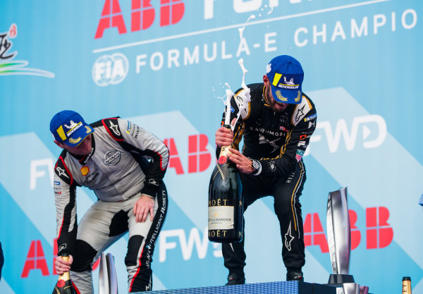 Jean-Eric Vergne (FRA), DS TECHEETAH, 1st position, and Oliver Rowland (GBR), Nissan e.Dams, 2nd position, celebrate on the podium