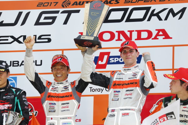 2017 Japanese Super GT Series. Fuji, Japan. 5th - 6th August 2017. Rd 5. GT300 Winner Shinichi Takagi & Sean Walkinshaw ( #55 ARTA BMW M6 GT3 )  podium portrait World Copyright: Yasushi Ishihara / LAT Images. Ref: 2017JSGT_Rd5_010