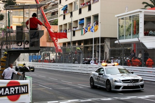 The race ended with a red flag under the Safety Car. GP2 Series, Rd2, Race 2, Monte-Carlo, Monaco, Saturday 23 May 2009.