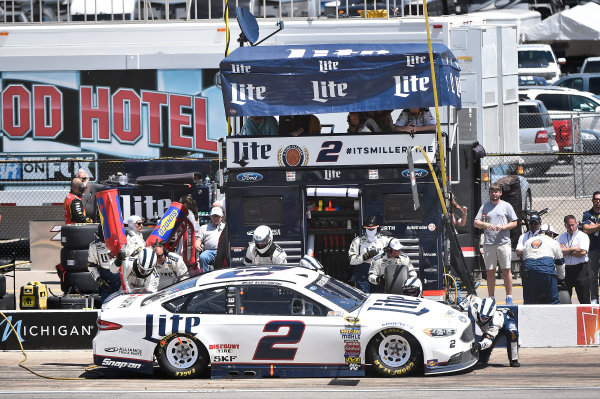 10-12 June, 2016, Brooklyn, Michigan USA Brad Keselowski (2) makes a pit stop. ?2016, John Harrelson / LAT Photo USA