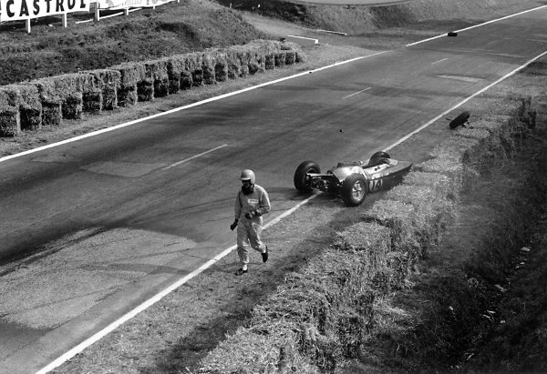 1962 French Grand Prix Rouen-les-Essarts, France. 6-8 July 1962 Trevor Taylor (Lotus 25-Climax) crashes during practice. He finished the race in 8th position. Accident World Copyright: LAT PhotographicRef: Autosport b&w print