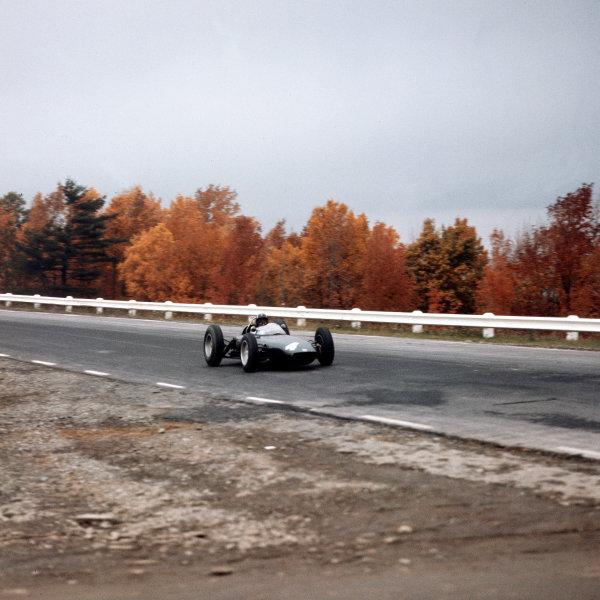 Watkins Glen, New York, USA.5-7 October 1962.Graham Hill (BRM P57) 2nd position.Ref-3/0690W.World Copyright - LAT Photographic