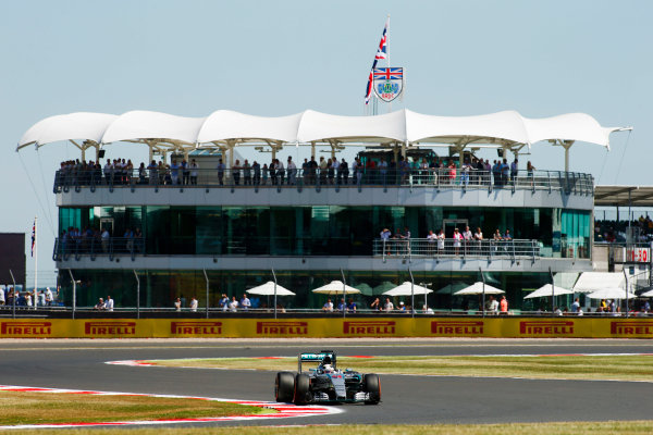 Silverstone Circuit, Northamptonshire, England. Friday 3 July 2015. Lewis Hamilton, Mercedes F1 W06 Hybrid. World Copyright: Andrew Ferraro/LAT Photographic ref: Digital Image _FER0707