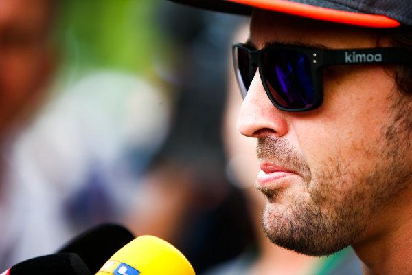 Sepang International Circuit, Sepang, Malaysia. Thursday 28 September 2017. Fernando Alonso, McLaren, talks to the press. World Copyright: Andy Hone/LAT Images  ref: Digital Image _ONZ8680