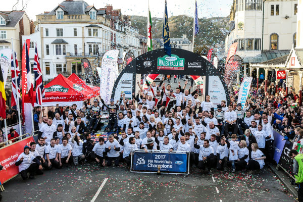 2017 FIA World Rally Championship, Round 12, Wales Rally GB, 26-29 October, 2017, Elfyn Evans, Ford, M-sport, podium, celebration, Worldwide Copyright: LAT/McKlein