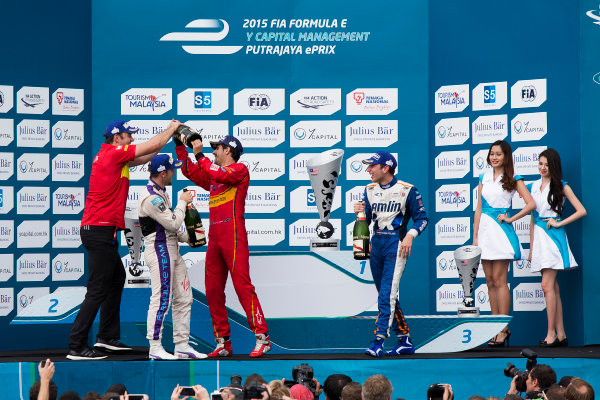2015/2016 FIA Formula E Championship. Putrajaya ePrix, Putrajaya, Malaysia. Saturday 7 November 2015. Podium Lucas Di Grassi (BRA), ABT Audi Sport FE01, Sam Bird (GBR), DS Virgin Racing DSV-01 & Robin Frijns (NLD), Andretti - Spark SRT_01E on the podium Photo: Sam Bloxham/FIA Formula E/LAT ref: Digital Image _SBL1372