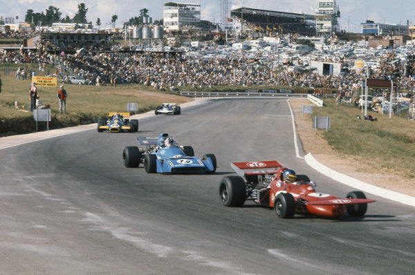 1971 South African Grand Prix.  Kyalami, South Africa. 4-6th March 1971.  Ronnie Peterson, March 711 Ford, leads Chris Amon, Matra MS120, and Graham Hill, Brabham BT33 Ford.  Ref: 71SA32. World Copyright: LAT Photographic