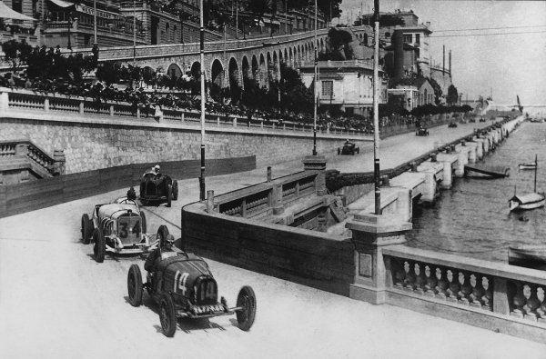 """Monte Carlo, Monaco. 14th April 1929.""""Georges Philippe"""" (real name Baron de Rothschild, Bugatti T35C) leads Rudolf Caracciola (Mercedes-Benz SSK) in Tabac corner. They finished in 4th and 3rd positions respectively, action.World Copyright: LAT PhotographicRef: Autocar Used Pic 19th April 1929 Pg 793."""
