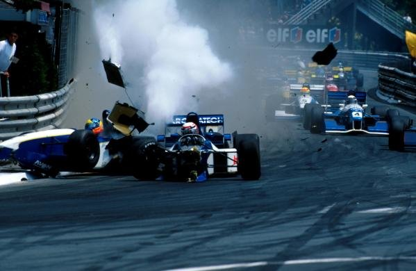 Guillaume Gomez (FRA) (centre) and his DAMS team mate, pole sitter, Tarso Marques (BRA) Reynard 95D Cosworth (left) collide and crash into the barriers at the start of the race.  International F3000 Championship, Pau, France, 5 June 1995.