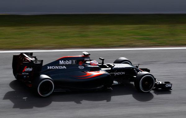 Circuit de Catalunya, Barcelona, Spain Monday 22 February 2016. Jenson Button, McLaren MP4-31 Honda. World Copyright: Steven Tee/LAT Photographic ref: Digital Image _H7I0389