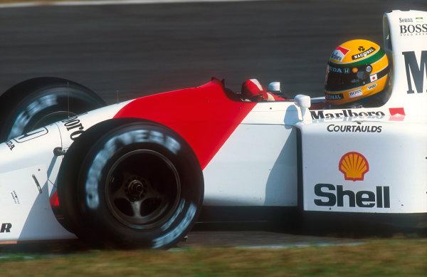 1992 Japanese Grand Prix.Suzuka, Japan.23-25 October 1992.Ayrton Senna (McLaren MP4/7A Honda). He exited the race with an engine failure on lap 3.Ref-92 JAP 07.World Copyright - LAT Photographic