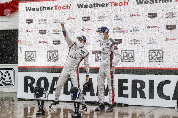 #7 Acura Team Penske Acura DPi, DPi: Helio Castroneves, Ricky Taylor, podium, celebration, winners