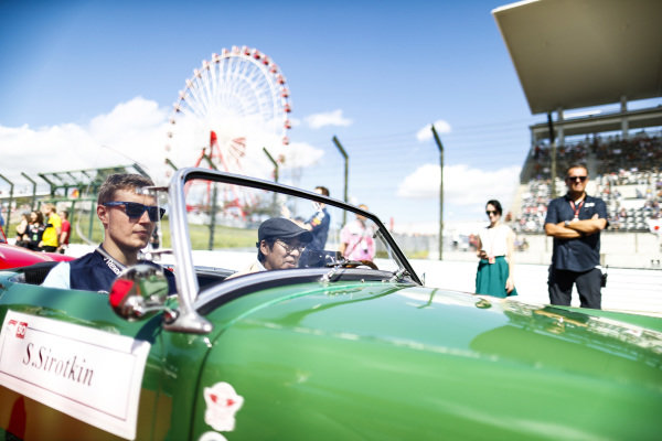 Sergey Sirotkin, Williams Racing, on the drivers parade