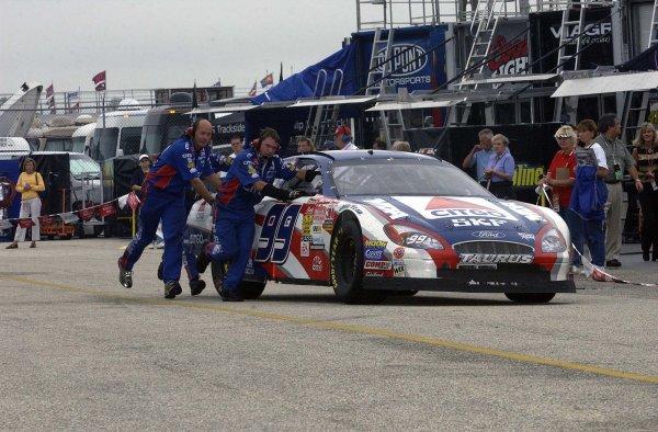 2002 NASCAR,Darlington Raceway,Aug 30-Sept 1 20022002 NASCAR, Darlington,SC. USA -Jeff Burton getting a push toward his pit stall,Copyright-Robt LeSieur2002LAT Photographic