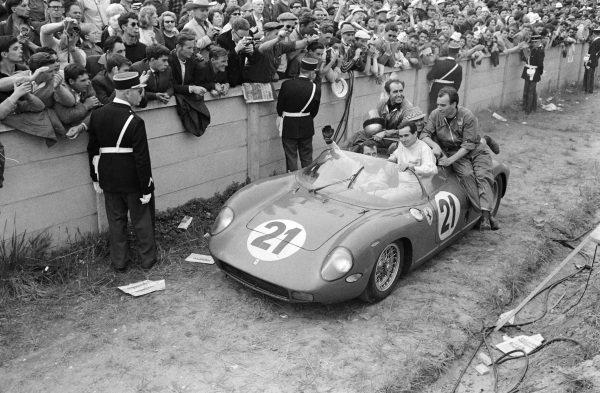 The winning car of Lorenzo Bandini / Ludovico Scarfiotti, Scuderia Ferrari, Ferrari 250P.