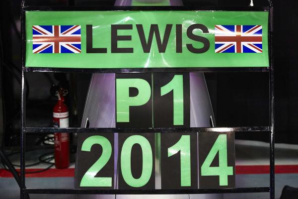Marina Bay Circuit, Singapore. Sunday 21 September 2014. Pit board celebrating victory for Lewis Hamilton, Mercedes AMG. World Copyright: Steve Etherington/LAT Photographic. ref: Digital Image SNE22004
