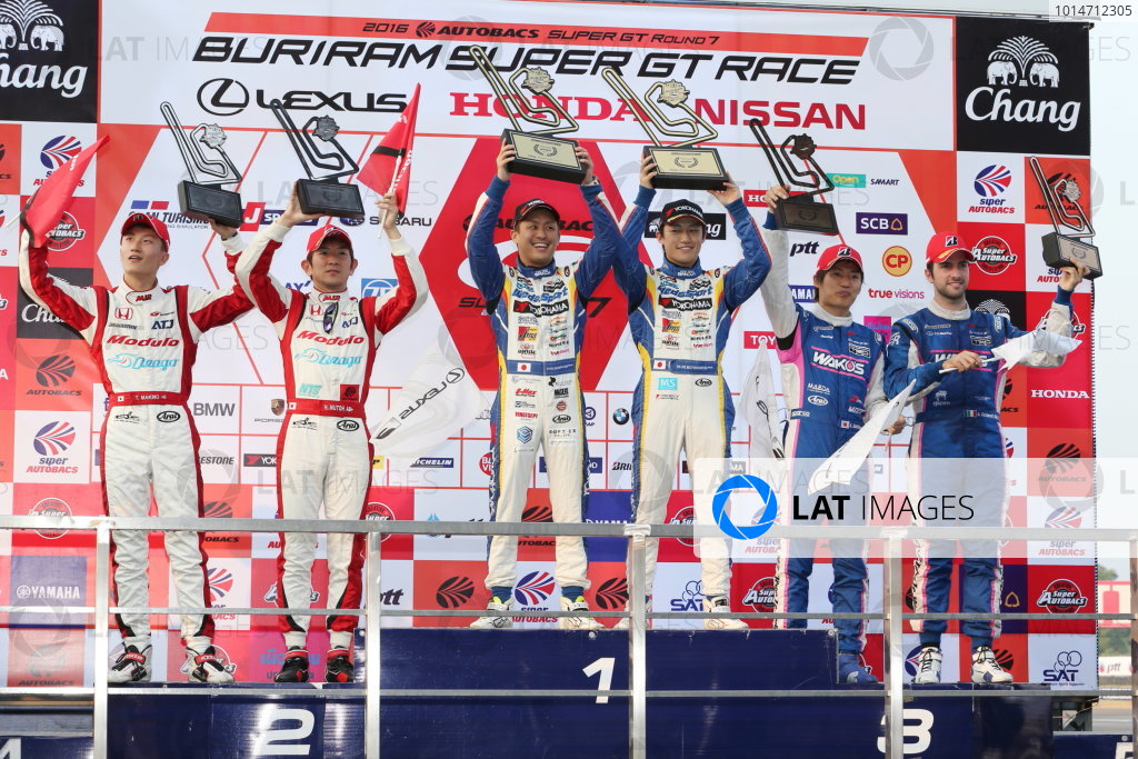 2016 Japanese Super GT Series. Chang International, Thailand. 8th - 9th October 2016. Rd 7. GT500 Winner Yuhi Sekiguchi & Yuji Kunimoto ( #19 WedsSport ADVAN RC F ) 2nd position Hideki Mutoh & Tadasuke Makino ( #15 Drago Modulo NSX CONCEPT-GT ) 3rd position Kazuya Oshima & Andrea Caldarelli ( #6 WAKO'S 4CR RC F ) podium, portrait. World Copyright : Masahide Kamio / LAT Photographic Ref : 2016ST_Rd7_THAI_004