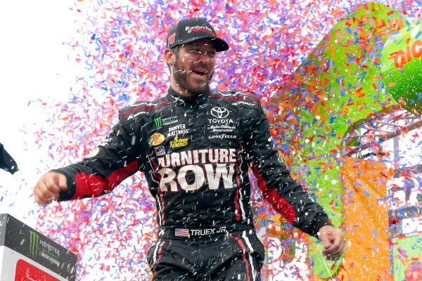 Monster Energy NASCAR Cup Series Tales of the Turtles 400 Chicagoland Speedway, Joliet, IL USA Sunday 17 September 2017 Martin Truex Jr, Furniture Row Racing, Furniture Row/Denver Mattress Toyota Camry World Copyright: Russell LaBounty LAT Images