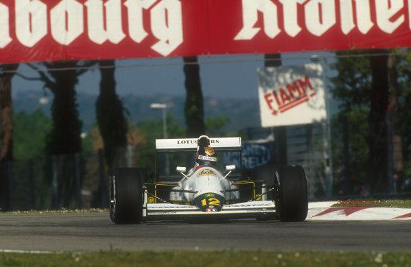 1991 San Marino Grand Prix.Imola, Italy.26-28 April 1991.Julian Bailey (Lotus 102B Judd) 6th position. This was his last Grand Prix.Ref-91 SM 37.World Copyright - LAT Photographic