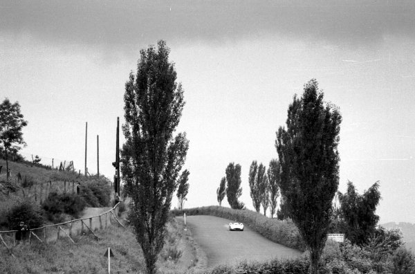 1954 German Grand Prix.Nurburgring, Germany. 30/7-1/8 1954.Hans Herrmann (stream-lined Mercedes-Benz W196). Ref-70-216 #24.World Copyright - LAT Photographic