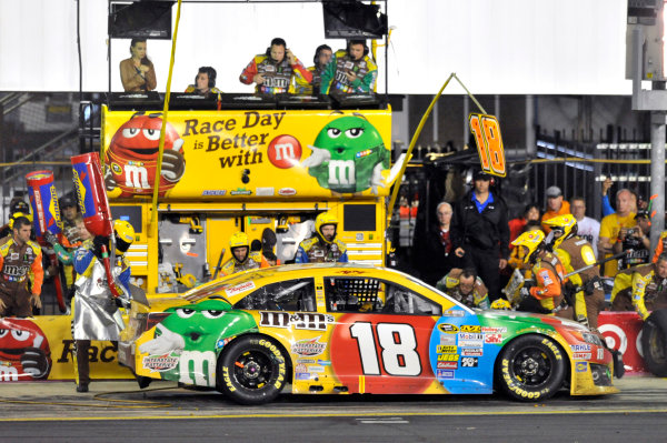 10-12 October, 2013, Concord, North Carolina USA Kyle Busch, M&M's Toyota Camry pit stop ©2013, Nigel Kinrade LAT Photo USA