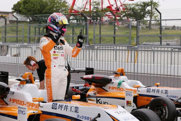 2017 Japanese Formula 3 Championship. Suzuka, Japan. 24th - 25th June 2017. Rd 10 & 11. Rd10 Winner Sho Tsuboi ( #1 Corolla Chukyo Kuo TOM?S F317 ) parc ferme, portrait World Copyright: Masahide Kamio / LAT Images. Ref: 2017JF3_Rd10_02