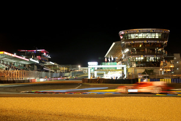 Night action at the start and finish main straight. Le Mans 24 Hours, Le Mans, France, 12-14 June 2014.