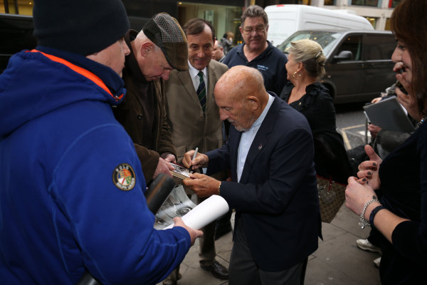 2015 British Racing Drivers Club Awards Grand Connaught Rooms, London Monday 7th December 2015 Sir Stirling Moss signs autographs. World Copyright: Jakob Ebrey/LAT Photographic ref: Digital Image Moss-10