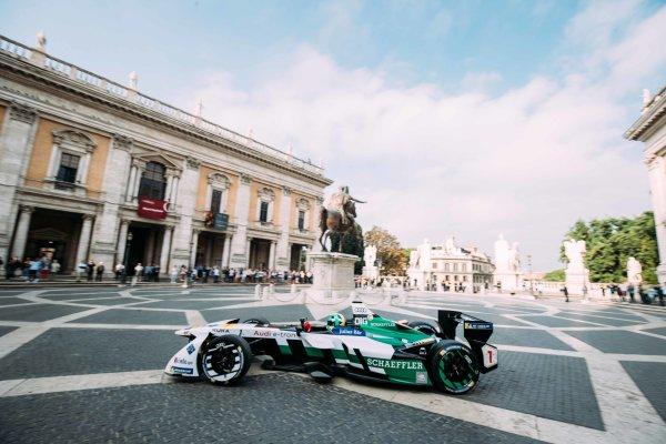 2017/2018 FIA Formula E Championship. Street Demonstration - Rome, Italy. Lucas Di Grassi (BRA), Audi Sport ABT Schaeffler, Audi e-tron FE04. Thursday 19 October 2017. Photo: Malcom Griffiths/LAT/Formula E ref: Digital Image MALC8900