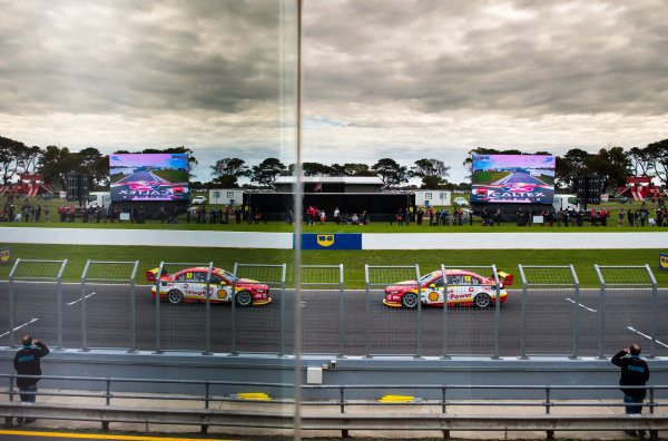 2017 Supercars Championship Round 3.  Phillip Island 500, Phillip Island, Victoria, Australia. Friday 21st April to Sunday 23rd April 2017. Fabian Coulthard drives the #12 Shell V-Power Racing Team Ford Falcon FGX. World Copyright: Daniel Kalisz/LAT Images Ref: Digital Image 230417_VASCR3_DKIMG_4606.JPG