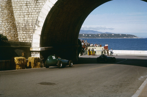 Monte Carlo, Monaco. 16-19 May 1957. Tony Brooks (Vanwall VW7) follows Ron Flockhart (BRM P25) in front of the harbour. Brooks finished in 2nd position. Ref-57 MON 17. World Copyright - LAT Photographic