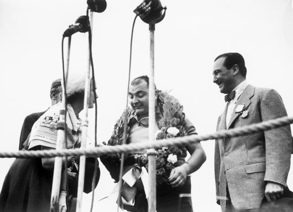 Silverstone, England. 12th - 14th July 1951.Jose Froilan Gonzalez (Ferrari 375), 1st position, podium, portrait.World Copyright: LAT Photographic.Ref: B/W Print.