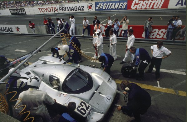 Le Mans, France. 10th - 11th June.Jean-Louis Schlesser/Jean-Pierre Jabouille/Alain Cudini  (Sauber C9-Mercedes-Benz), 5th position.World Copyright: LAT Photographicref: 35mm Transparency Image
