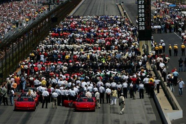 The grid at the Indianapolis 500.IRL IndyCar Series, Rd5, 89th Indianapolis 500, Indianapolis Motor Speedway, Indianapolis, USA. 29 May 2005.DIGITAL IMAGE