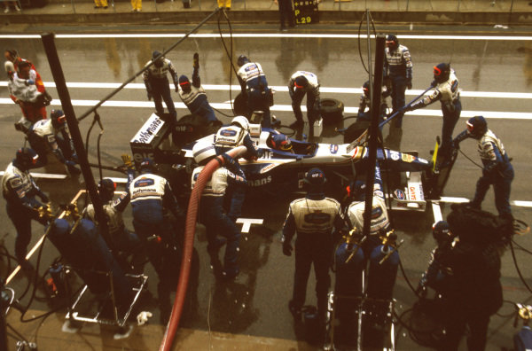 Catalunya, Barcelona, Spain.31 May - 2 June 1996.Jacques Villeneuve (Williams FW18 Renault) 3rd position takes a pitstop.Ref-96 ESP 10.World Copyright - LAT Photographic