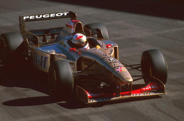 Monza, Italy.6-8 September 1996.Martin Brundle (Jordan 196 Peugeot) 4th position.Ref-96 ITA 19.World Copyright - LAT Photographic