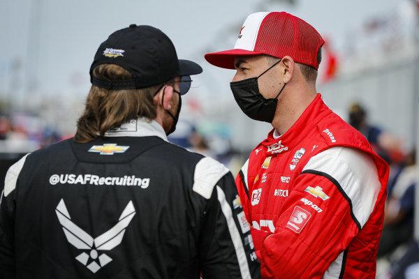 #3: Scott McLaughlin, Team Penske Chevrolet and #20: Conor Daly, Ed Carpenter Racing Chevrolet