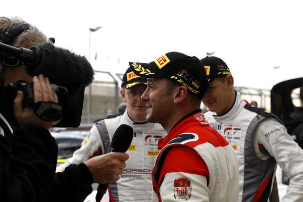 #31 Frikadelli Racing Team Porsche 911 GT3 R: Nick Tandy.