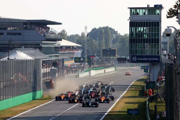 Valtteri Bottas, Mercedes W12, leads Max Verstappen, Red Bull Racing RB16B, Daniel Ricciardo, McLaren MCL35M, Lando Norris, McLaren MCL35M, Sir Lewis Hamilton, Mercedes W12, Pierre Gasly, AlphaTauri AT02, and the rest of the field at the start