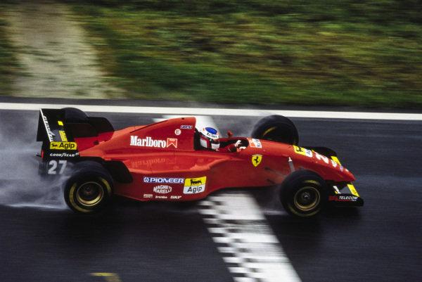 Jean Alesi, Ferrari 412T2.