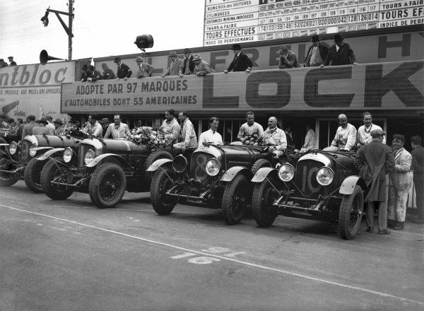 The Bentley team left-to right: Jack Dunfee / Glen Kidston (#9), Woolf Barnato / Henry Birkin (#1), Frank Clement /Jean Chassagne (#8) and John Benjafield / Andre d'Erlanger (#10).