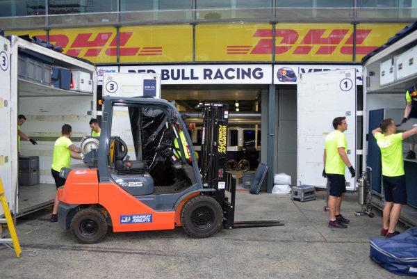 Red Bull Racing garage preparations at Formula One World Championship, Rd1, Australian Grand Prix, Preparations, Albert Park, Melbourne, Australia, Monday 20 March 2017.