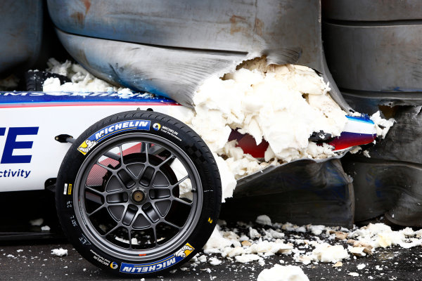 2016/2017 FIA Formula E Championship. Hong Kong ePrix, Hong Kong, China. Sunday 09 October 2016. The car of Robin Frijns (27, Andretti Formula E) embedded in the TecPro barrier. Photo: Zak Mauger/LAT/Formula E ref: Digital Image _X0W2349