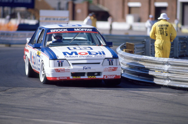 Wellington, New Zealand. Peter Brock/Allan Moffat (Holden VK Commodore SS Group A), 1st position, action. World Copyright: LAT Photographic