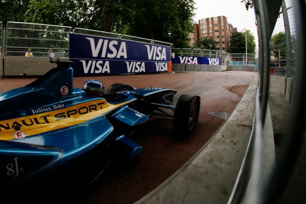 2014/2015 FIA Formula E Championship. London ePrix, Battersea Park, London, United Kingdom. Sunday 28 June 2015 Nicolas Prost (FRA)/E.dams Renault - Spark-Renault SRT_01E Photo: Zak Mauger/LAT/Formula E ref: Digital Image _L0U0196